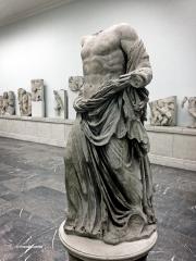 Estatua de marmol de Zeus