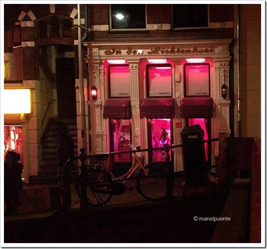 barri vermell 12