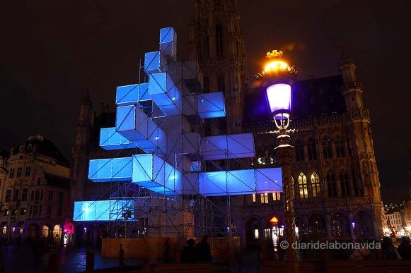 Un espectacle de llums il.lumina la Grand Place