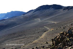 L' Sliding Sands Trail parece un paisaje lunar. Haleakala National Park, isla de Maui