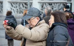 Els turistes omplim els carrers del centre