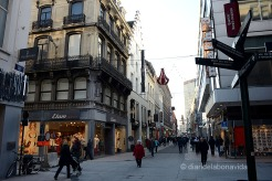 Rue Neuve. Un dels carrers més comercials de la ciutat