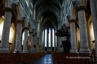 Interior de l'església de Notre-Dame au Sablon