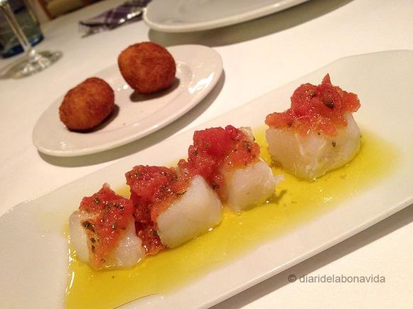 Croquetes i Tacos de bacallà amanits amb tomàquet confitat