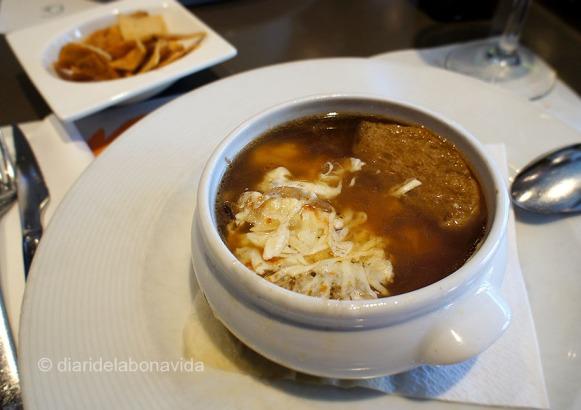 La sopa de cebolla de la Pizzeria Angelo: bueníssima!!!!