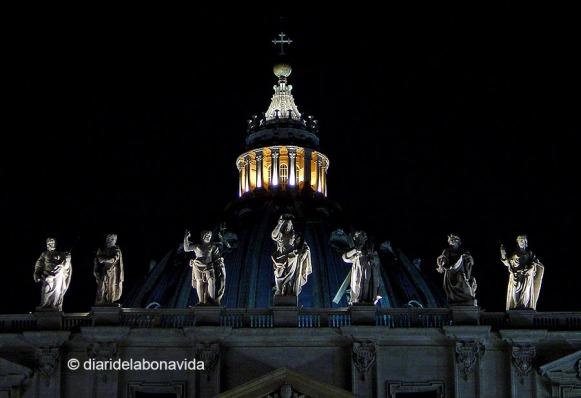 Esculturas de los apóstoles