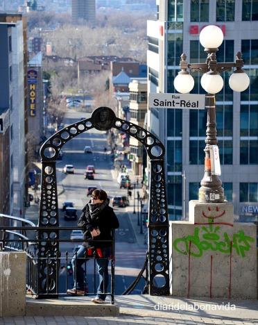 No queda otra opció que las escaleras para pasar de la parte Alta a la Baja de la ciudad