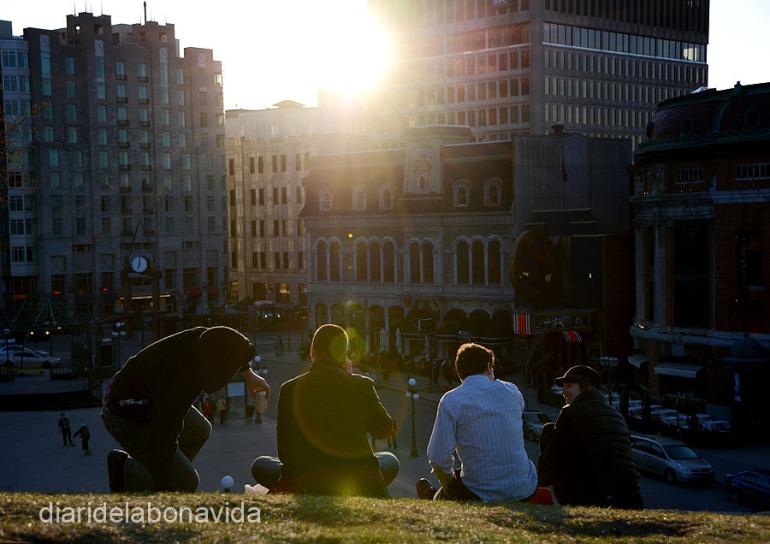 Como si se tratase del último día, todo el mundo quiere ver la puesta de sol