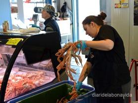 En el mercado Vieux-Port podemos comprar enormes cangrejos