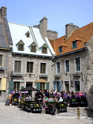Terrazas y restaurantes en la Place Royale