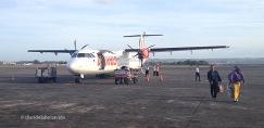 Algunos vuelos internos se hacen en pequeños aviones de hélice