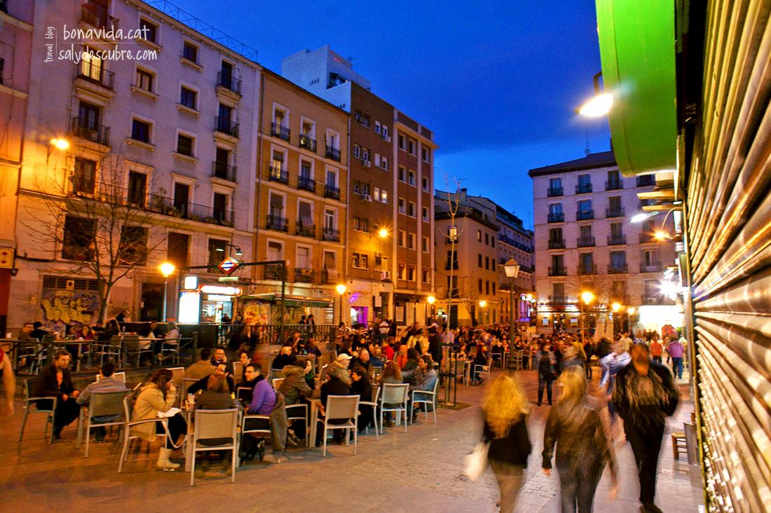 Barrio De Chueca En Madrid. Chueca El Madrid Colorido Diverso Y ...