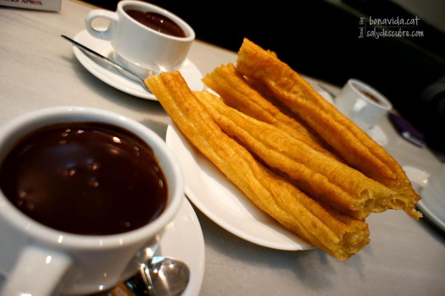 Porras con chocolate. Un clásico de la Chocolatería San Ginés