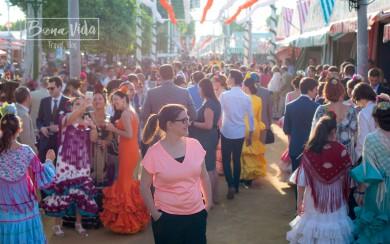 Muchísima gente en el recinto ferial