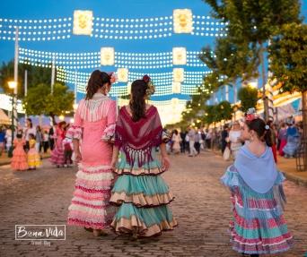 El vestido de gitana es parte esencial de la Feria